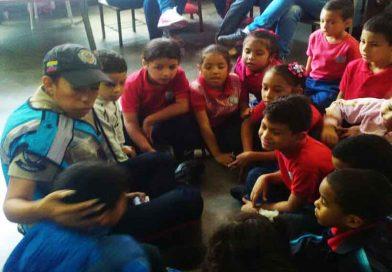 PNB dicta taller sobre valores en escuelas de La Candelaria en Caracas