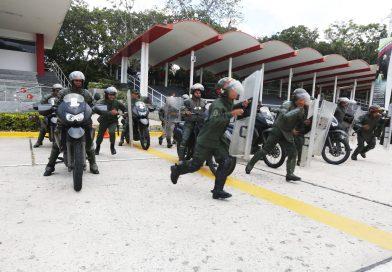 GNB y PNB reciben entrenamiento sobre mantenimiento del orden interno