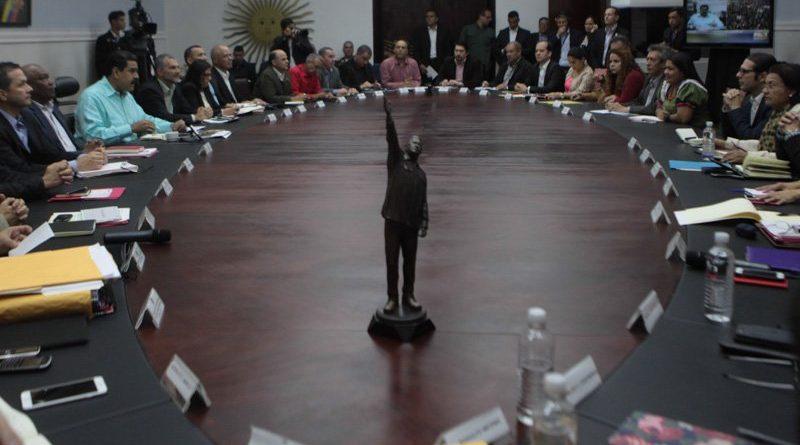 Presidente Nicolás Maduro garantiza paz en el país