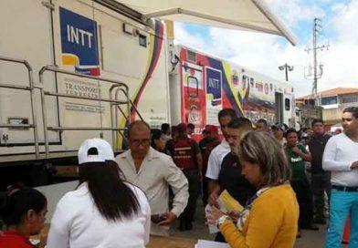 Móvil 6 traslada servicios del INTT para atender a ciudadanos de Baruta