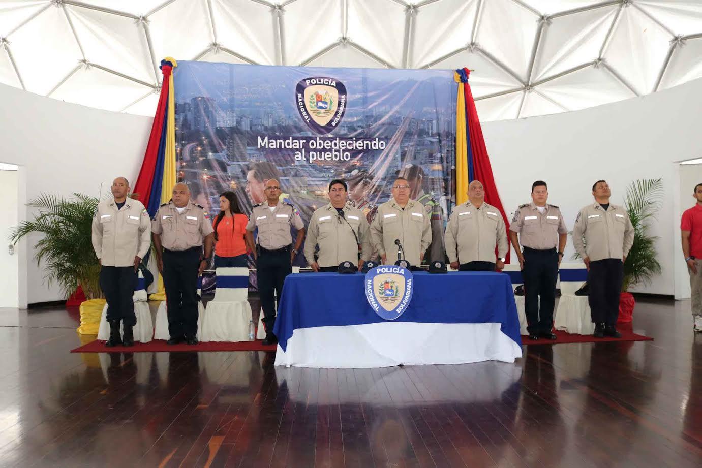 Director Nacional de PNB se reunió con nuevos oficiales de 8va promoción UNES