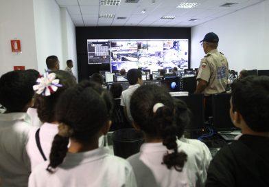 Estudiantes identifican uso adecuado de una llamada de emergencia al VEN 911