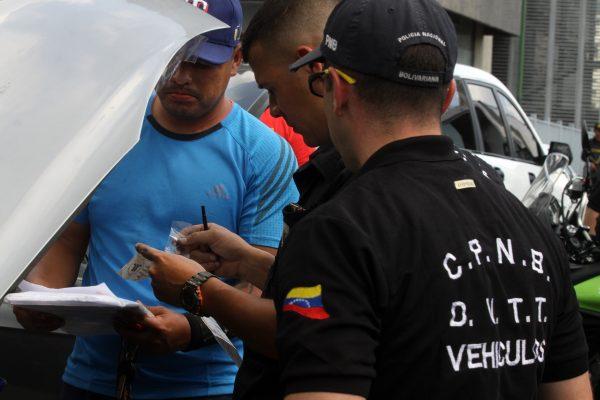 Despliegue revision de vehiculos (13)