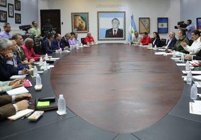 Maduro rechazó injerencia de gobiernos de derecha en asuntos de Venezuela