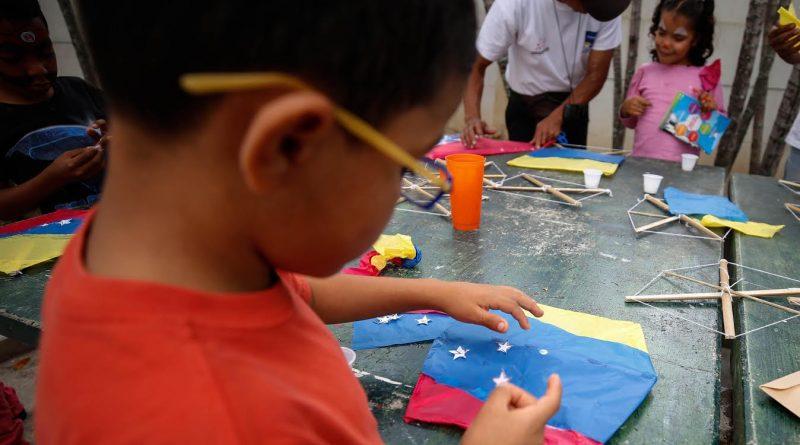 Entre alegría y juegos más de 80 niños recibieron juguetes este domingo (2)