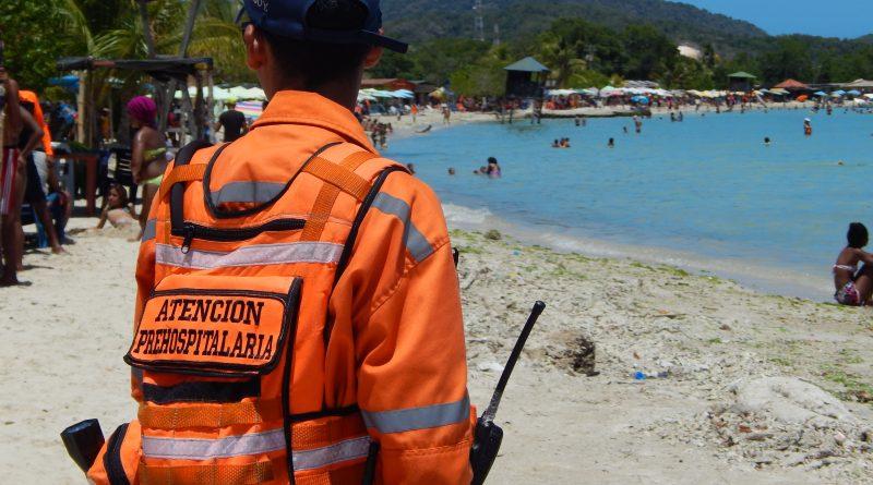 Funcionarios de Protección Civil desplegados en costas mirandinas (1)