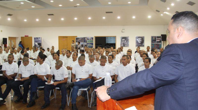 Más de 200 estudiantes en la Unes recibieron taller sobre manejo de evidencias (4)