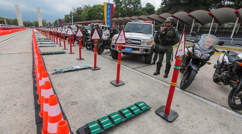 Los kits incluyen conos, reductores de velocidad y parales para identificar al cuerpo de seguridad