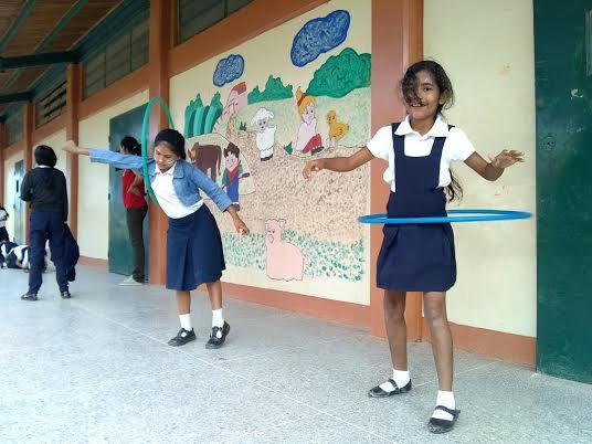 """Programa """"Un Arma ni de Juego"""" abordó a estudiantes de la E.B """"4 de Febrero"""" (7)"""