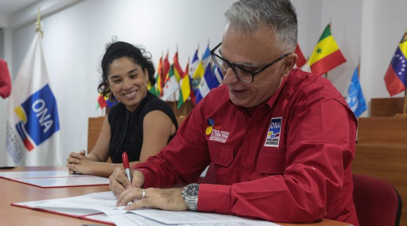firman convenio para combatir el microtráfico de drogas en las comunidades (5)