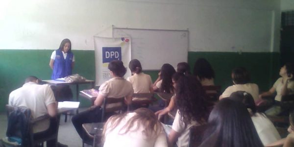 DPD abordó a estudiantes aragüeños sobre la violencia escolar (1)