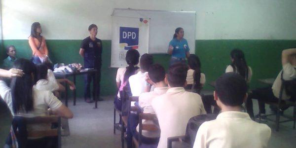 DPD abordó a estudiantes aragüeños sobre la violencia escolar (2)