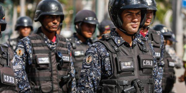 Desplegados 706 funcionarios en Plaza Venezuela para ofrecer seguridad y tranquilidad a los vecinos (3)