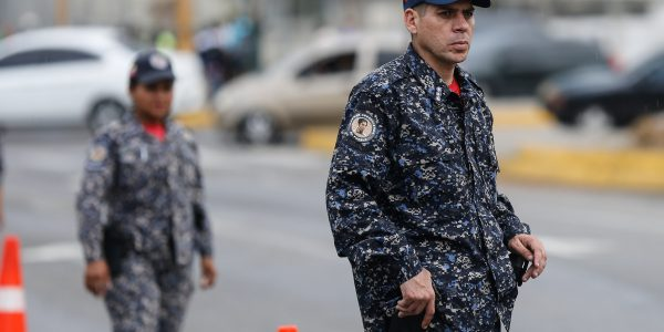 Desplegados 706 funcionarios en Plaza Venezuela para ofrecer seguridad y tranquilidad a los vecinos (9)