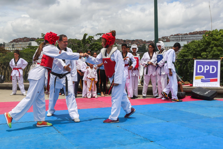 Escuelas deportivas de Prevención del Delito se instalaron en el parque del Oeste (14)