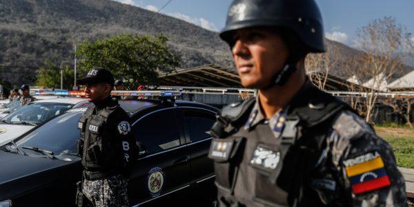 Funcionarios de la PNB refuerzan Cuadrantes de paz en Guarenas (7)