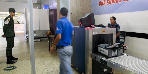 Plan de Seguridad Integral del Aeropuerto Internacional Simón Bolívar inicia este viernes (1)