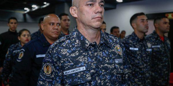 Condecorados funcionarios de la PNB (1)