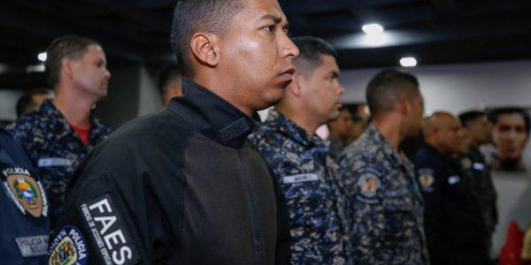 Condecorados funcionarios de la PNB (4)