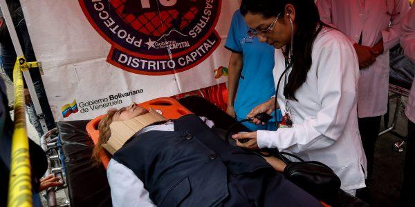 Más de 2 mil personas participaron en simulacro de desalojo en el Mpprijp (17)