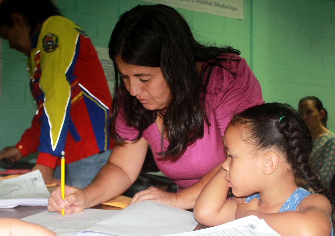 """Saren entrega 120 permisos de viajes a infantes que participarán en los """"Juegos Nacionales Estudiantiles"""" (1)"""