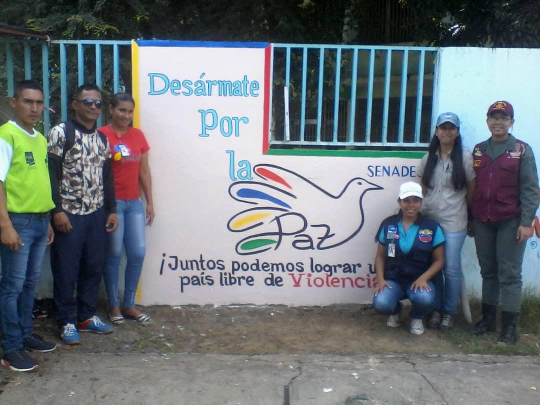 """""""Colores por el Desarme"""" (12)"""