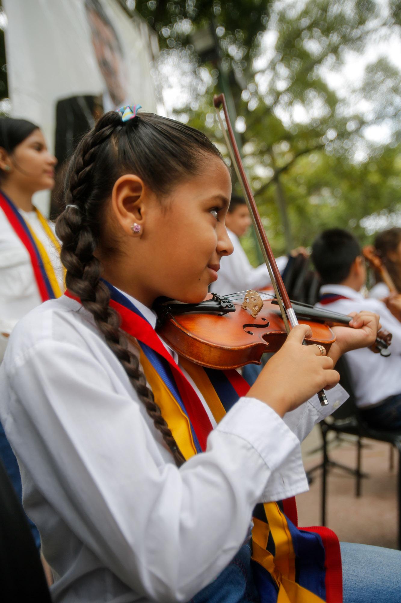 """""""Suenan los Tambores de la Paz en Tributo a la Resistencia Indígena"""" (3)"""