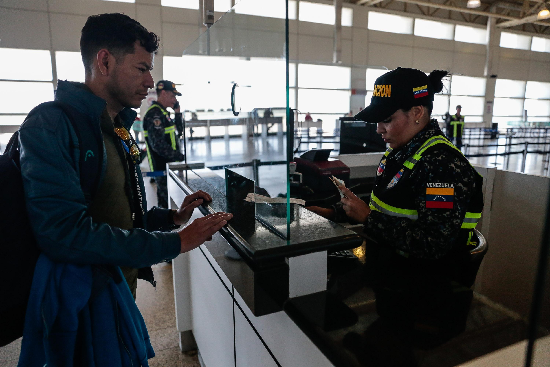 Activado Servicio de Policía de Migración de la PNB en el Aeropuerto Simón Bolívar (1)