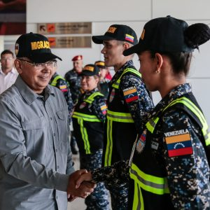 Activado Servicio de Policía de Migración de la PNB en el Aeropuerto Simón Bolívar (7)