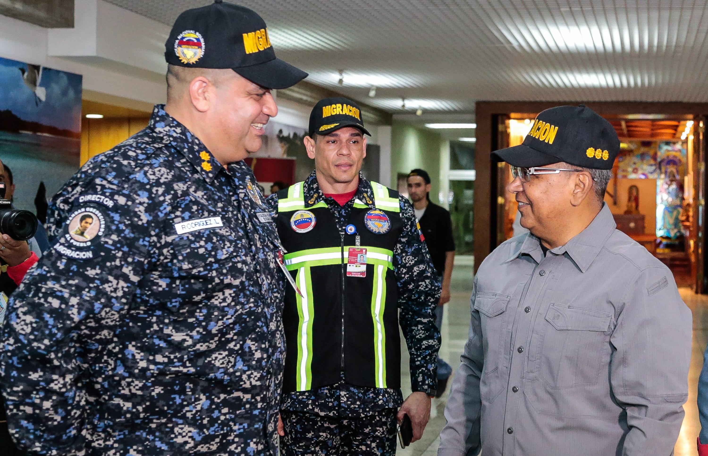 Activado Servicio de Policía de Migración de la PNB en el Aeropuerto Simón Bolívar (9)