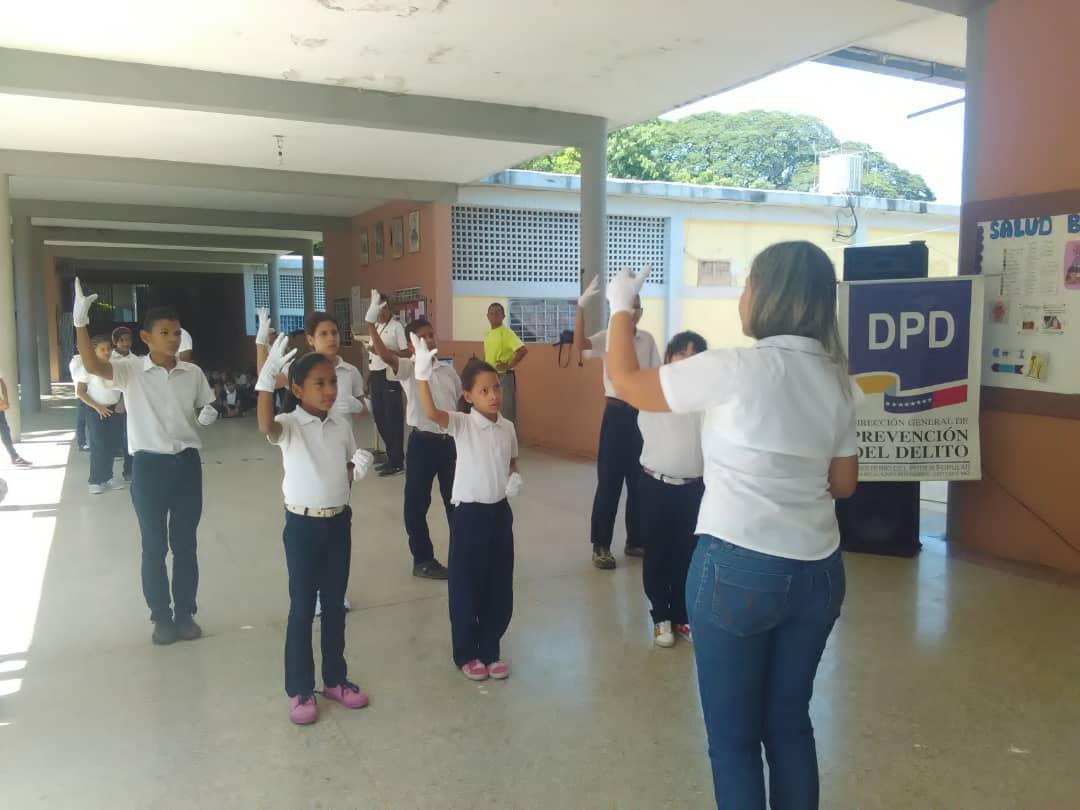 Conversatorios y cortometrajes promueven valores para el sano desarrollo de educandos en Guárico (1)