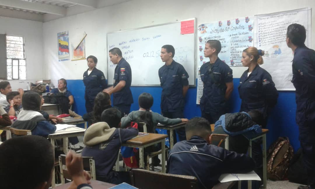 Corposervica promueve el ahorro energético en colegio del estado Miranda (1)