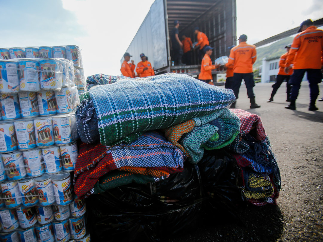 Enviadas 10 toneladas de insumos a familias afectadas por lluvias en Falcón (12)