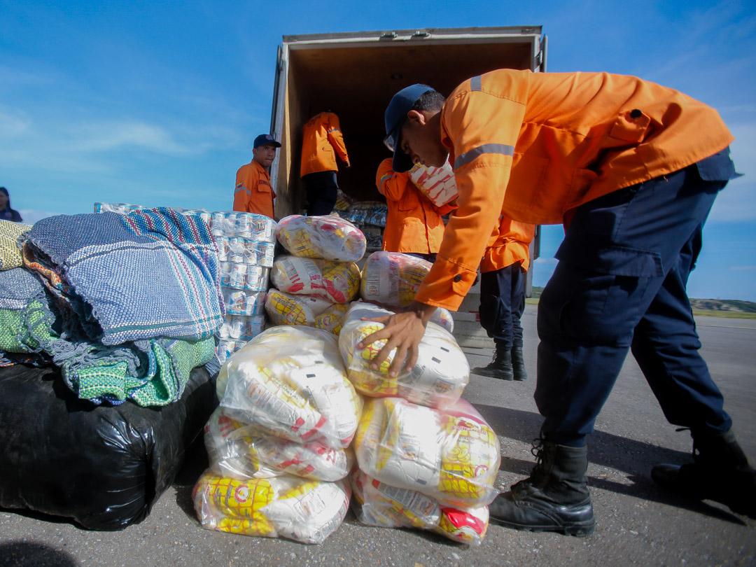 Enviadas 10 toneladas de insumos a familias afectadas por lluvias en Falcón (16)