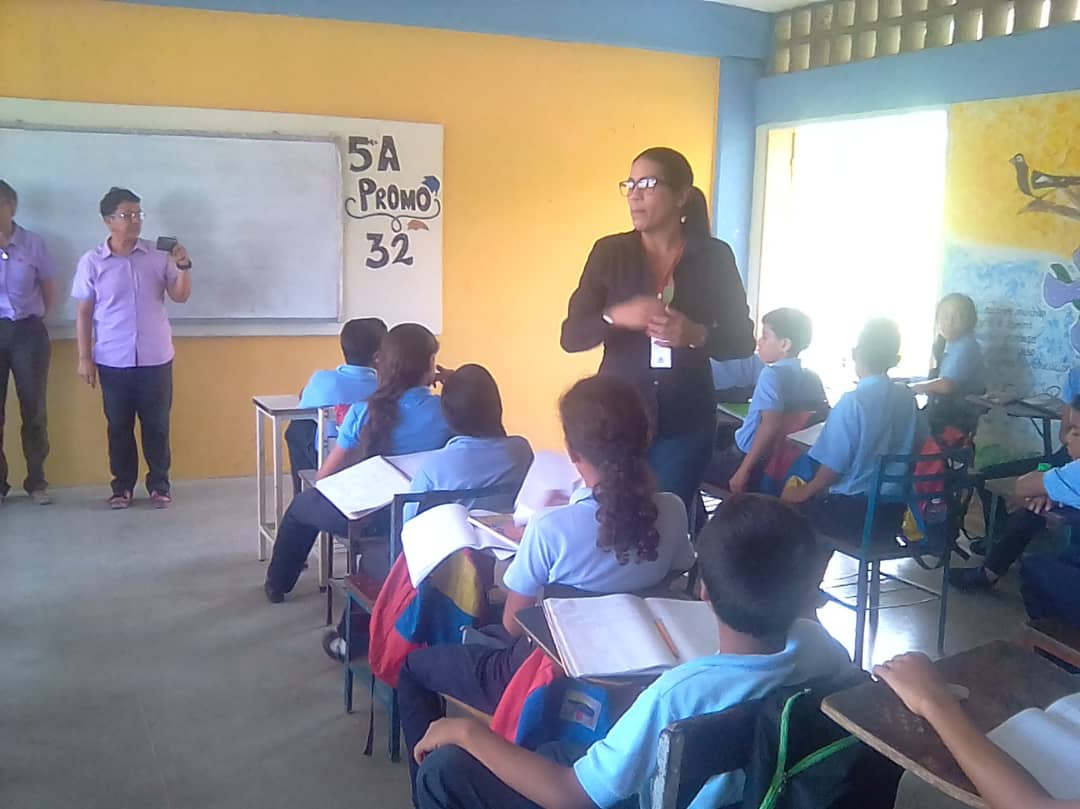 Estudiantes de Guanta promueven el Desarme Voluntario a través de cartelera informativa (8)