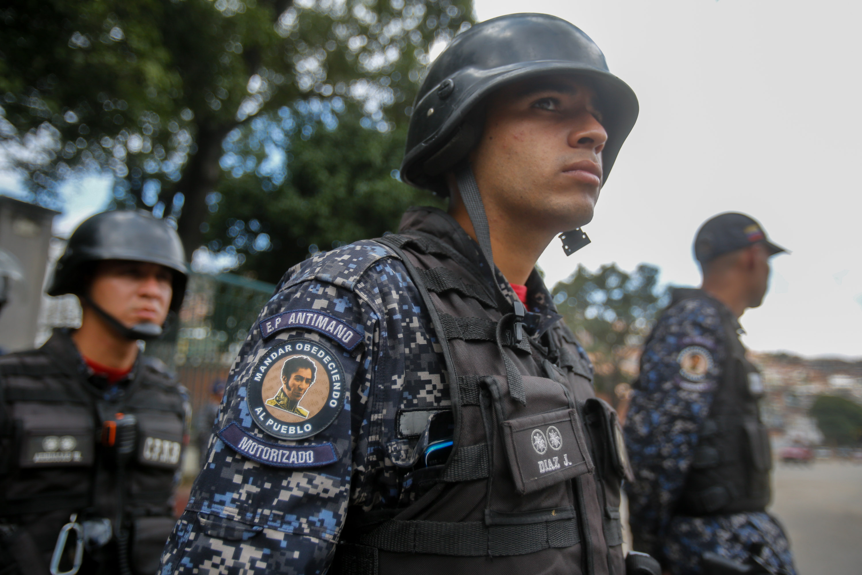 Funcionarios de la PNB desplegados en diversas parroquias de Caracas (12)