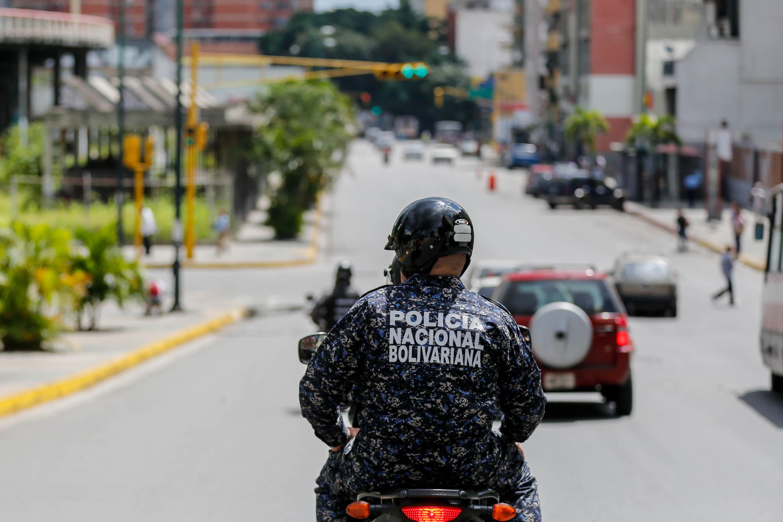 Funcionarios de la PNB desplegados en diversas parroquias de Caracas (13)
