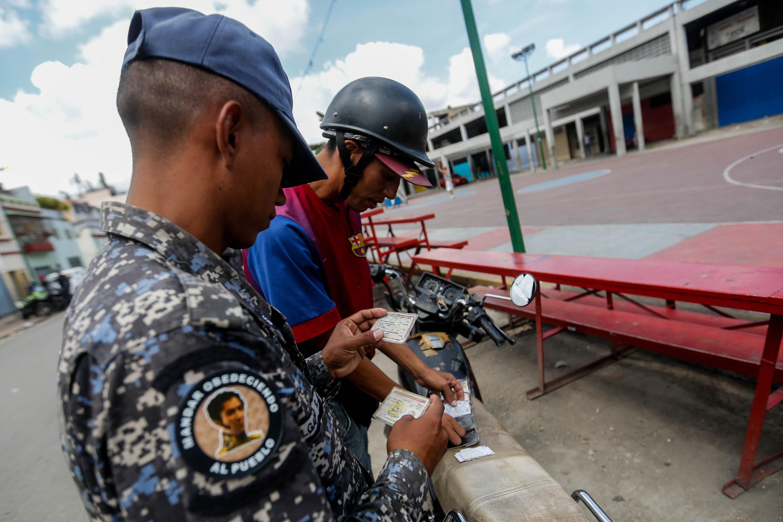 Funcionarios de la PNB desplegados en diversas parroquias de Caracas (14)