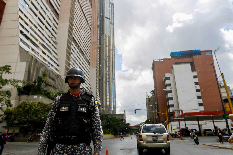 Funcionarios de la PNB desplegados en diversas parroquias de Caracas (19)