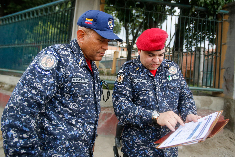 Funcionarios de la PNB desplegados en diversas parroquias de Caracas (23)