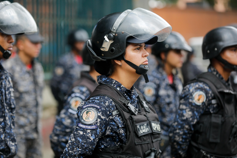 Funcionarios de la PNB desplegados en diversas parroquias de Caracas (6)