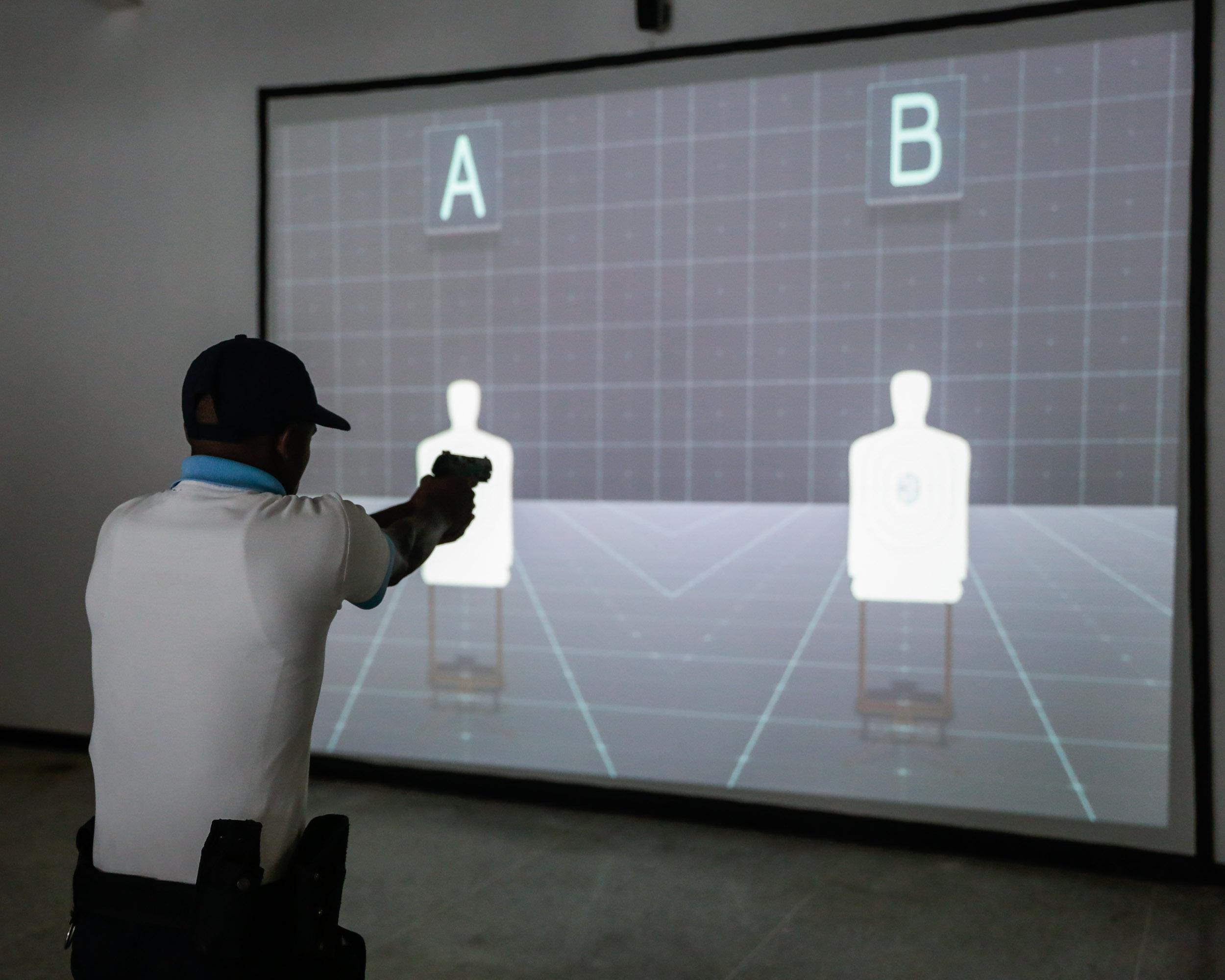 Inaugurado simulador de tiro en la Universidad Nacional Experimental de la Seguridad (13)