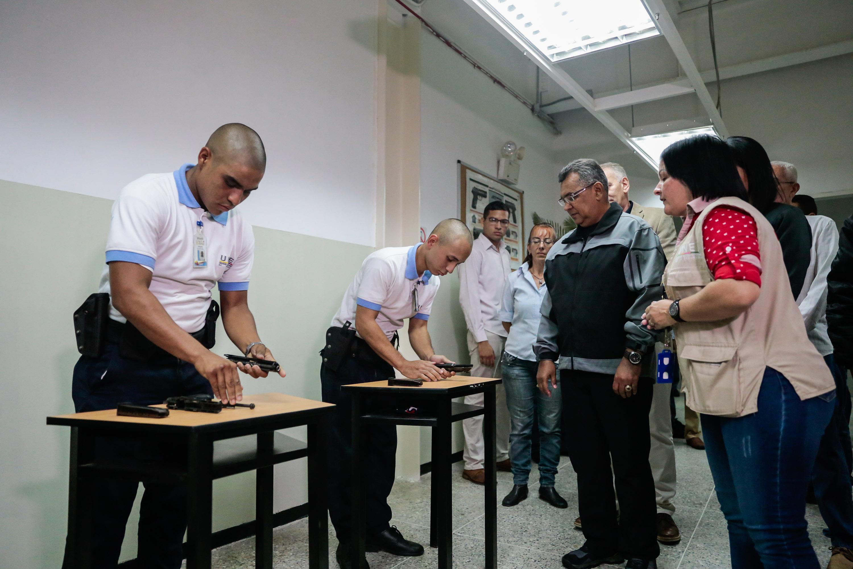 Inaugurado simulador de tiro en la Universidad Nacional Experimental de la Seguridad (16)
