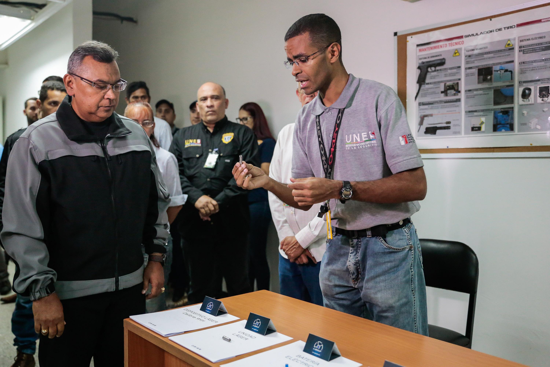 Inaugurado simulador de tiro en la Universidad Nacional Experimental de la Seguridad (17)