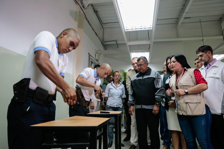 Inaugurado simulador de tiro en la Universidad Nacional Experimental de la Seguridad (6)