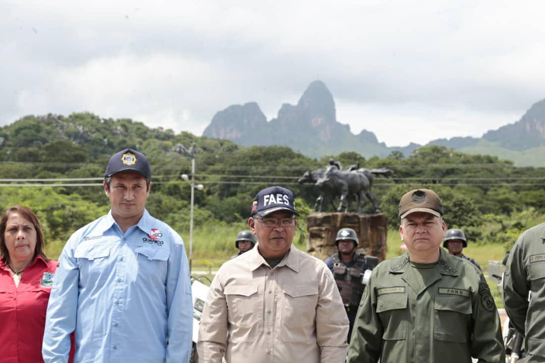 Ministro Reverol inutilizó 2 mil 664 armas de fuego en Guárico (1)