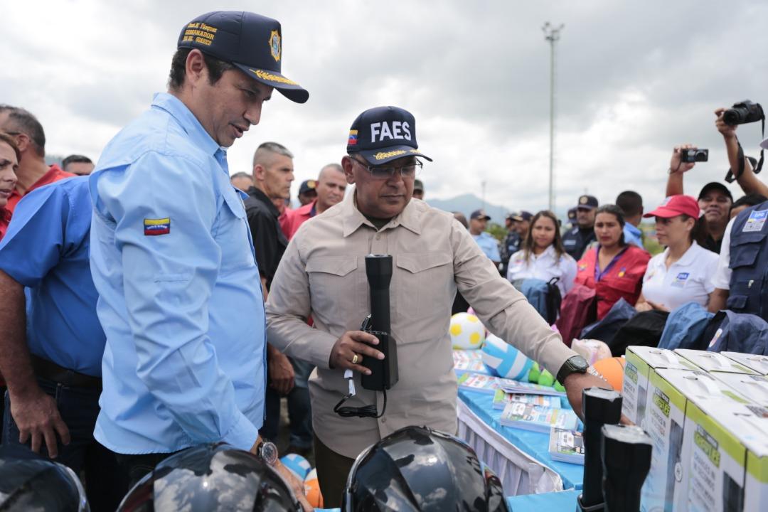 Ministro Reverol inutilizó 2 mil 664 armas de fuego en Guárico (2)
