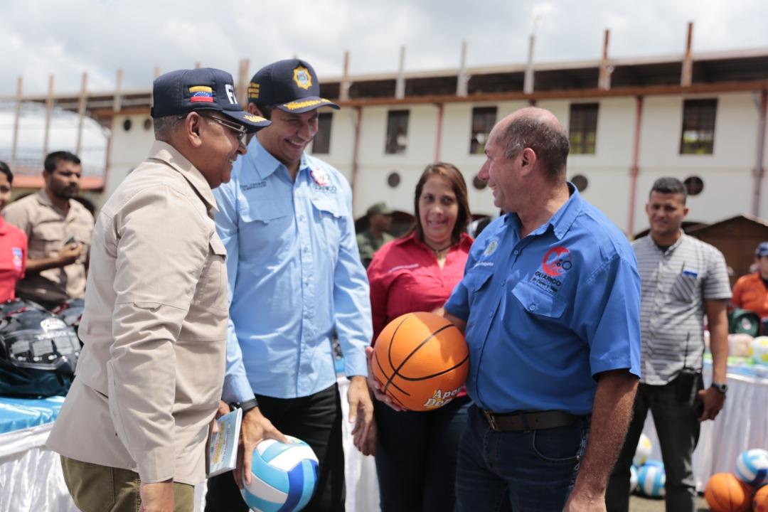 Ministro Reverol inutilizó 2 mil 664 armas de fuego en Guárico (3)