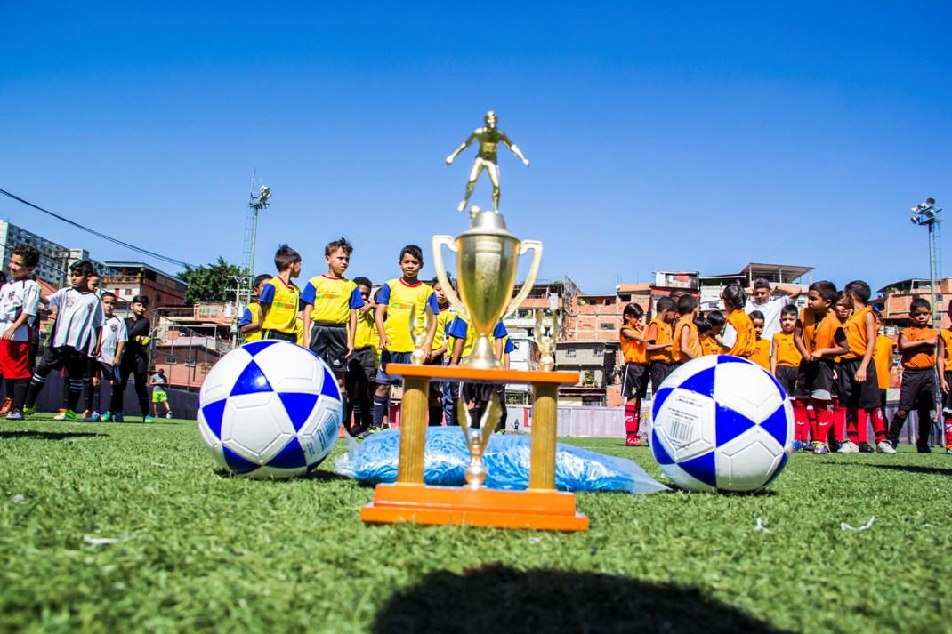 ONA abordó más de 200 niños con un cuadrangular de fútbol en el 23 de Enero (4)