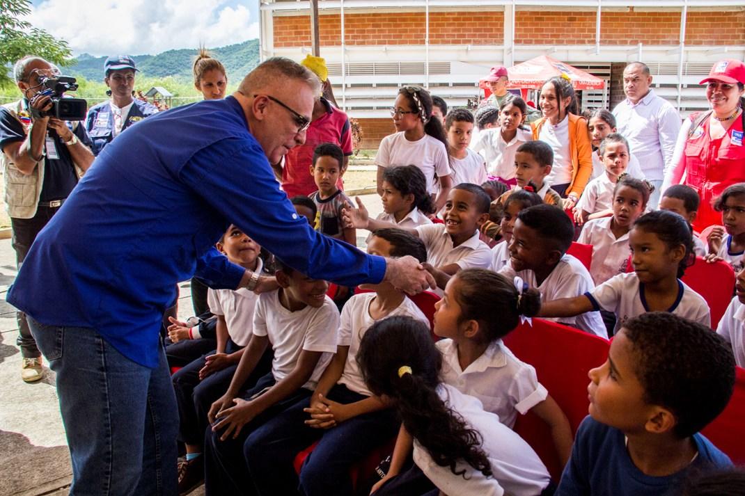 ONA realizó clínica de baloncesto para estudiantes de Ciudad Belén (1)